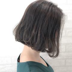 外国人風カラー ナチュラル ボブ ウェーブ ヘアスタイルや髪型の写真・画像