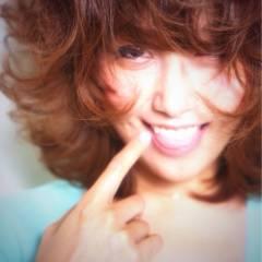 モテ髪 ハイトーン ミディアム フェミニン ヘアスタイルや髪型の写真・画像