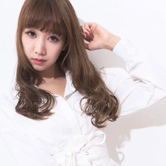巻き髪 モテ髪 レイヤーロングヘア フェミニン ヘアスタイルや髪型の写真・画像