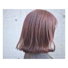 春 レッド 透明感 ミルクティー ヘアスタイルや髪型の写真・画像