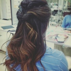 ロング ヘアアレンジ グラデーションカラー グレージュ ヘアスタイルや髪型の写真・画像