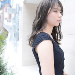 前髪あり エレガント 透明感カラー グレージュ ヘアスタイルや髪型の写真・画像