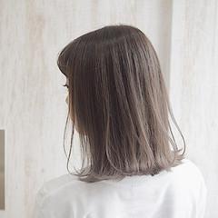 ナチュラル ミルクティー ミルクティーベージュ ミルクティーアッシュ ヘアスタイルや髪型の写真・画像