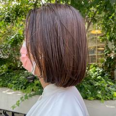 ボブ ブリーチ アッシュグレージュ 切りっぱなしボブ ヘアスタイルや髪型の写真・画像