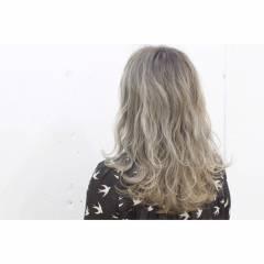 ストリート 外国人風 グラデーションカラー アッシュベージュ ヘアスタイルや髪型の写真・画像