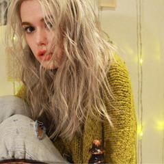 外国人風 金髪 ハイトーン 外国人風カラー ヘアスタイルや髪型の写真・画像