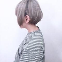 アッシュ ハイトーン ホワイト ストレート ヘアスタイルや髪型の写真・画像