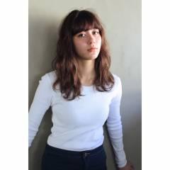 束感 ナチュラル ミディアム ウェーブ ヘアスタイルや髪型の写真・画像