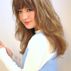 前髪あり アッシュ パーマ ロング ヘアスタイルや髪型の写真・画像