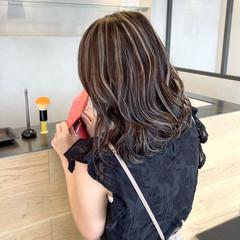 3Dハイライト グレージュ 外国人風カラー アッシュベージュ ヘアスタイルや髪型の写真・画像
