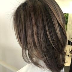 イルミナカラー ハイライト セミロング 派手髪 ヘアスタイルや髪型の写真・画像