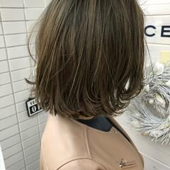 アンニュイほつれヘア ブラントカット ヘアアレンジ ボブ ヘアスタイルや髪型の写真・画像