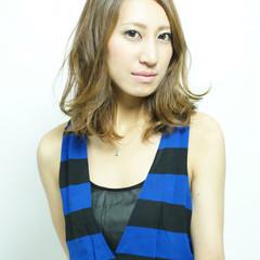 セミロング パーマ グラデーションカラー 大人かわいい ヘアスタイルや髪型の写真・画像
