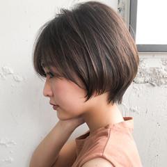 インナーカラー ショートヘア ナチュラル ショートボブ ヘアスタイルや髪型の写真・画像