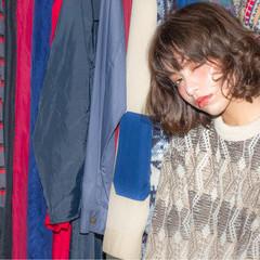 ウェーブ 外国人風 ボブ ラフ ヘアスタイルや髪型の写真・画像
