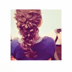 ロング 編み込み 結婚式 ルーズ ヘアスタイルや髪型の写真・画像