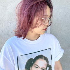 レイヤーボブ ボブ ピンク 切りっぱなしボブ ヘアスタイルや髪型の写真・画像