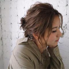 アウトドア 秋 ミディアム ヘアアレンジ ヘアスタイルや髪型の写真・画像