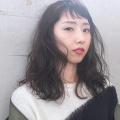 デジタルパーマ セミロング イルミナカラー ナチュラル ヘアスタイルや髪型の写真・画像