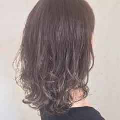 ナチュラル 透明感 グラデーションカラー イルミナカラー ヘアスタイルや髪型の写真・画像