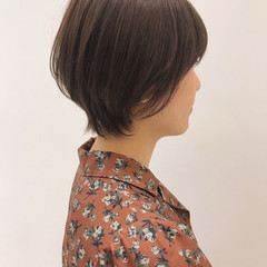 ショートボブ アンニュイほつれヘア ナチュラル ヘアアレンジ ヘアスタイルや髪型の写真・画像