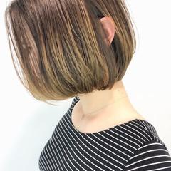 斜め前髪 耳かけ ナチュラル 春スタイル ヘアスタイルや髪型の写真・画像