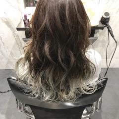 外国人風 グラデーションカラー エレガント バレイヤージュ ヘアスタイルや髪型の写真・画像