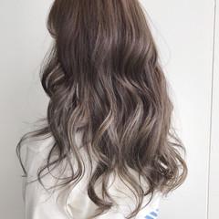透明感 ハイライト アッシュグレージュ 外国人風カラー ヘアスタイルや髪型の写真・画像