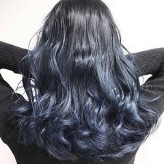 フェミニン ネイビーブルー セミロング グラデーションカラー ヘアスタイルや髪型の写真・画像