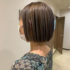 ショートヘア ガーリー 切りっぱなしボブ ショートボブ ヘアスタイルや髪型の写真・画像