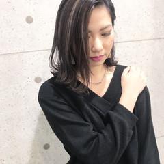 黒髪 モード ミディアム デート ヘアスタイルや髪型の写真・画像