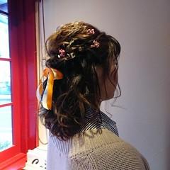 ハーフアップ ドライフラワー ミディアム リボンアレンジ ヘアスタイルや髪型の写真・画像