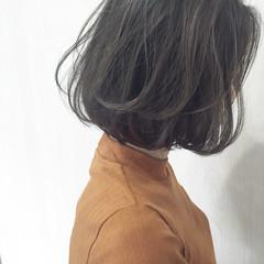 ゆるふわ アッシュ 外国人風 ストリート ヘアスタイルや髪型の写真・画像