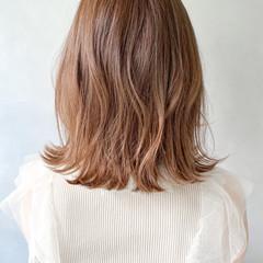 切りっぱなしボブ グレージュ ベージュ ダブルカラー ヘアスタイルや髪型の写真・画像