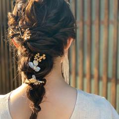 ヘアアレンジ セミロング 結婚式ヘアアレンジ インナーカラー ヘアスタイルや髪型の写真・画像