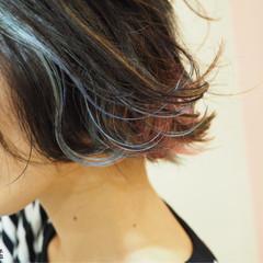 ガーリー ウェットヘア 外ハネ インナーカラー ヘアスタイルや髪型の写真・画像