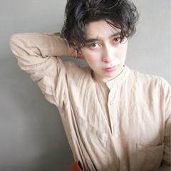外国人風 ショート くせ毛風 暗髪 ヘアスタイルや髪型の写真・画像
