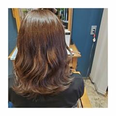 ゆるふわ ブリーチなし アッシュブラウン 透明感カラー ヘアスタイルや髪型の写真・画像