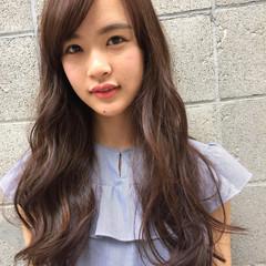 ピュア フェミニン ロング ストリート ヘアスタイルや髪型の写真・画像