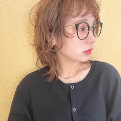 ウルフレイヤー レイヤーボブ イヤリングカラー ミルクティーベージュ ヘアスタイルや髪型の写真・画像