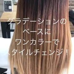 グレー アッシュグレー ガーリー グラデーションカラー ヘアスタイルや髪型の写真・画像