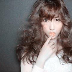 前髪あり セミロング ガーリー 外国人風 ヘアスタイルや髪型の写真・画像
