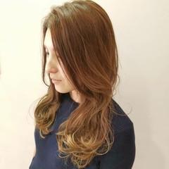 ハイライト ナチュラル オフィス インナーカラー ヘアスタイルや髪型の写真・画像