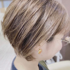 切りっぱなしボブ ショートボブ インナーカラー ショート ヘアスタイルや髪型の写真・画像