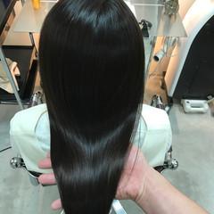 ロング 艶髪 ナチュラル アッシュ ヘアスタイルや髪型の写真・画像