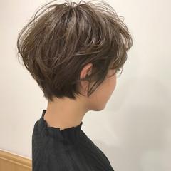 ナチュラル ショート パーマ マッシュ ヘアスタイルや髪型の写真・画像