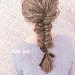 ヘアアレンジ アンニュイほつれヘア フィッシュボーン 編みおろし ヘアスタイルや髪型の写真・画像