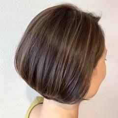 ショートボブ ハイライト ボブ ナチュラル ヘアスタイルや髪型の写真・画像