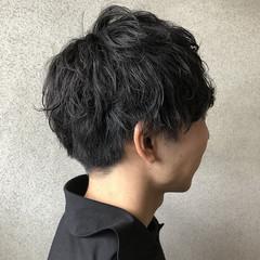 ナチュラル メンズパーマ メンズ ショート ヘアスタイルや髪型の写真・画像