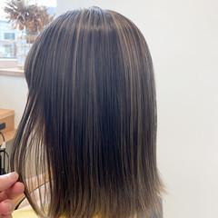 コンサバ デザインカラー 切りっぱなしボブ ハイライト ヘアスタイルや髪型の写真・画像